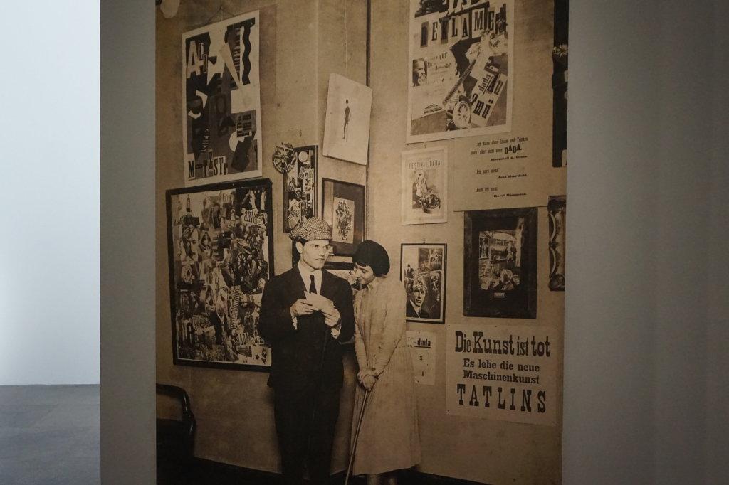 Vue de l'exposition Raoul Hausmann - Jeu de Paume (4)
