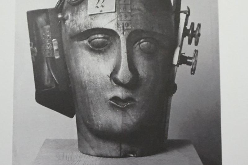 Vue de l'exposition Raoul Hausmann - Jeu de Paume (42)