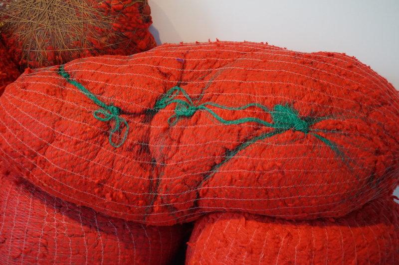 Vue de l'exposition Sheila Hicks, Lignes de vie - Centre Pompidou (94)