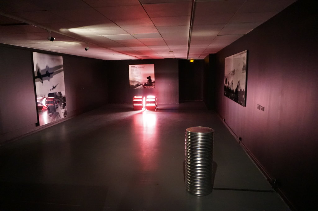 Vue de l'exposition Ange Leccia Communauté des images Centre d'Art d'Enghien les bains