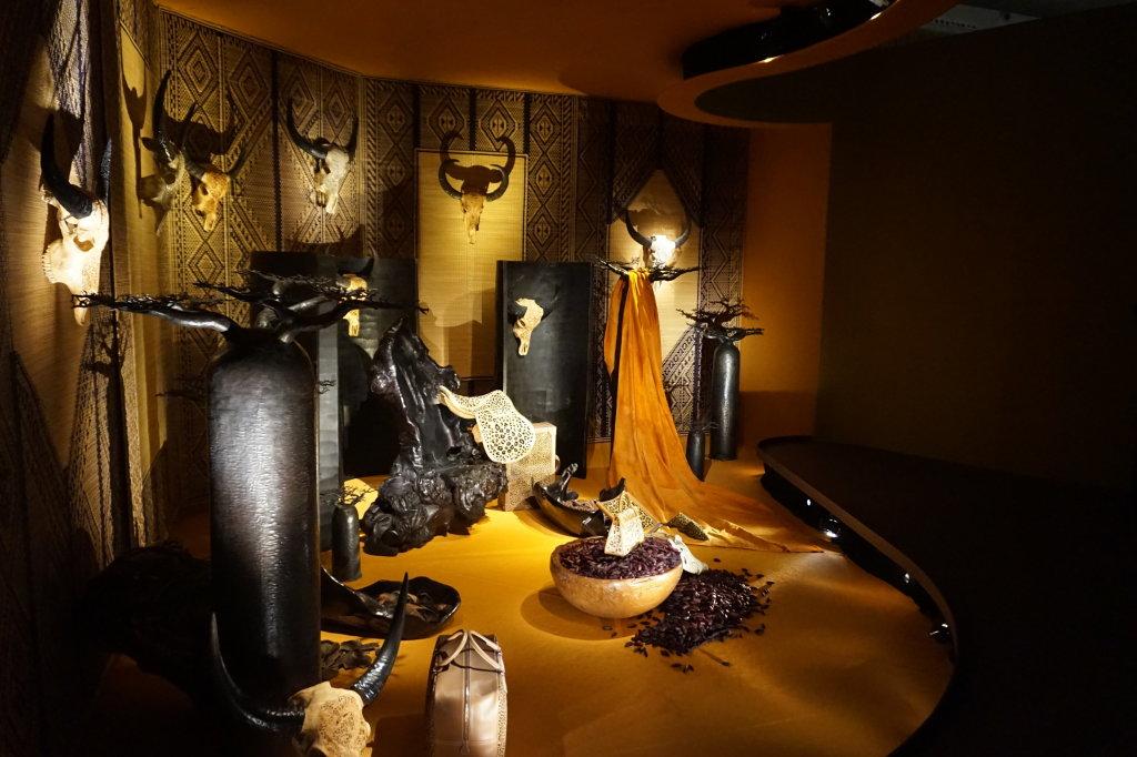 Vues de l'exposition Hermès à tire-d'aile, les mondes de Leïla Menchari au Grand Palais (3)